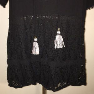 Knox Rose Tops - Crochet and lace inset short sleeve top